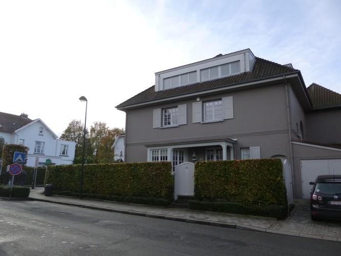 Charme commun – Woluwé-Saint-Pierre, Avenue de l'Aviation, 43 –  08 Novembre 2013